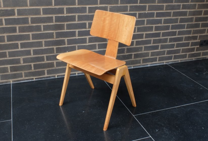 Robin Day Desk and Hillestak Chair