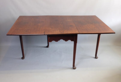 18th Century George iii mahogany drop leaf dining table 1780