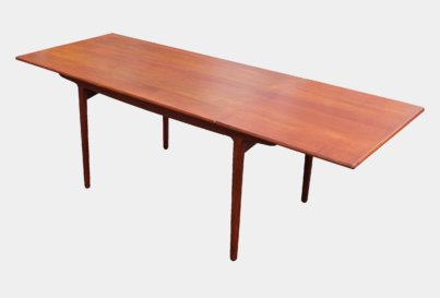 Aksel Bender and Ejner Larsen Naestved Mobelfabrik teak dining table