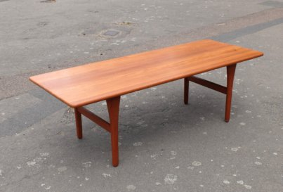 Arne Wahl Iversen coffee table