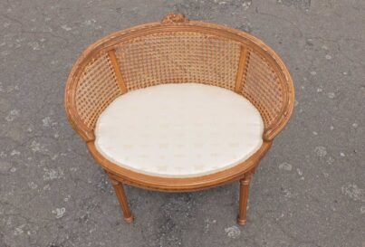 Single chair without cushion