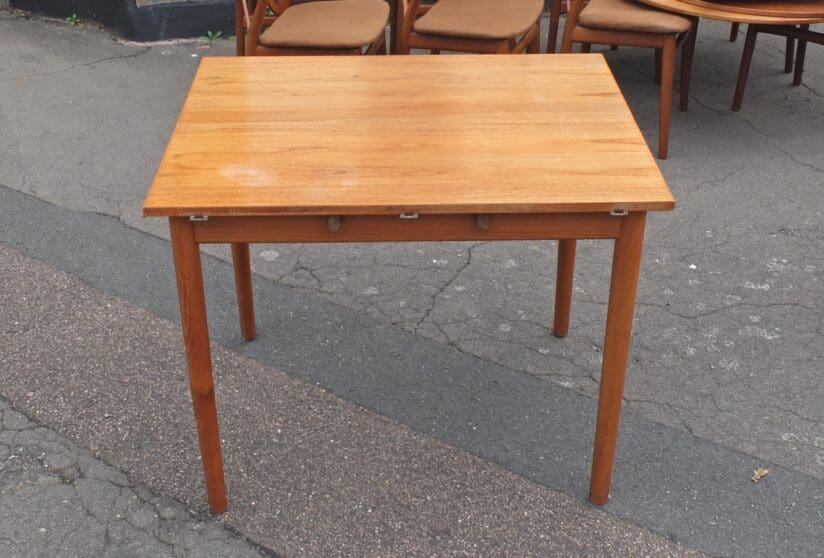 Table at its smallest